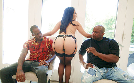 [BangRammed] Violet Starr (Gets Spitroasted By Huge Black Cocks / 01.28.2020)
