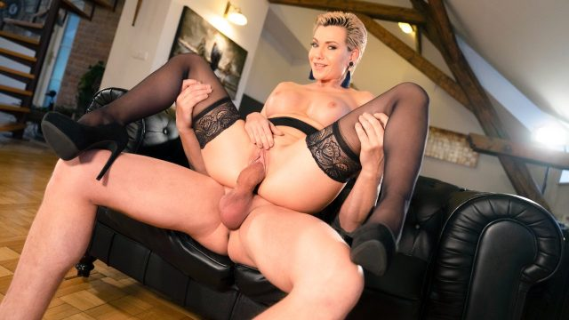 Russian MILF romanced in stockings (Subil Arch) [SexyHub]