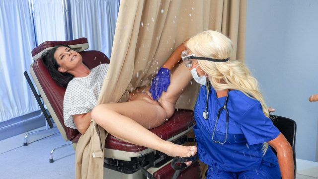 Banged by the Brand New Tool (India Summer, Nicolette Shea) [RealityKings]