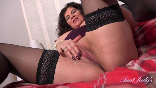 [AuntJudys] Gilly (Seducing Auntie Gilly POV / 07.30.2020)