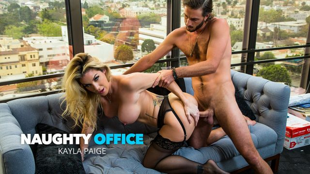 [NaughtyOffice] Kayla Paige (Badass boss babe Kayla Paige has her way with an employee she never even knew worked at her company / 05.11.2021)